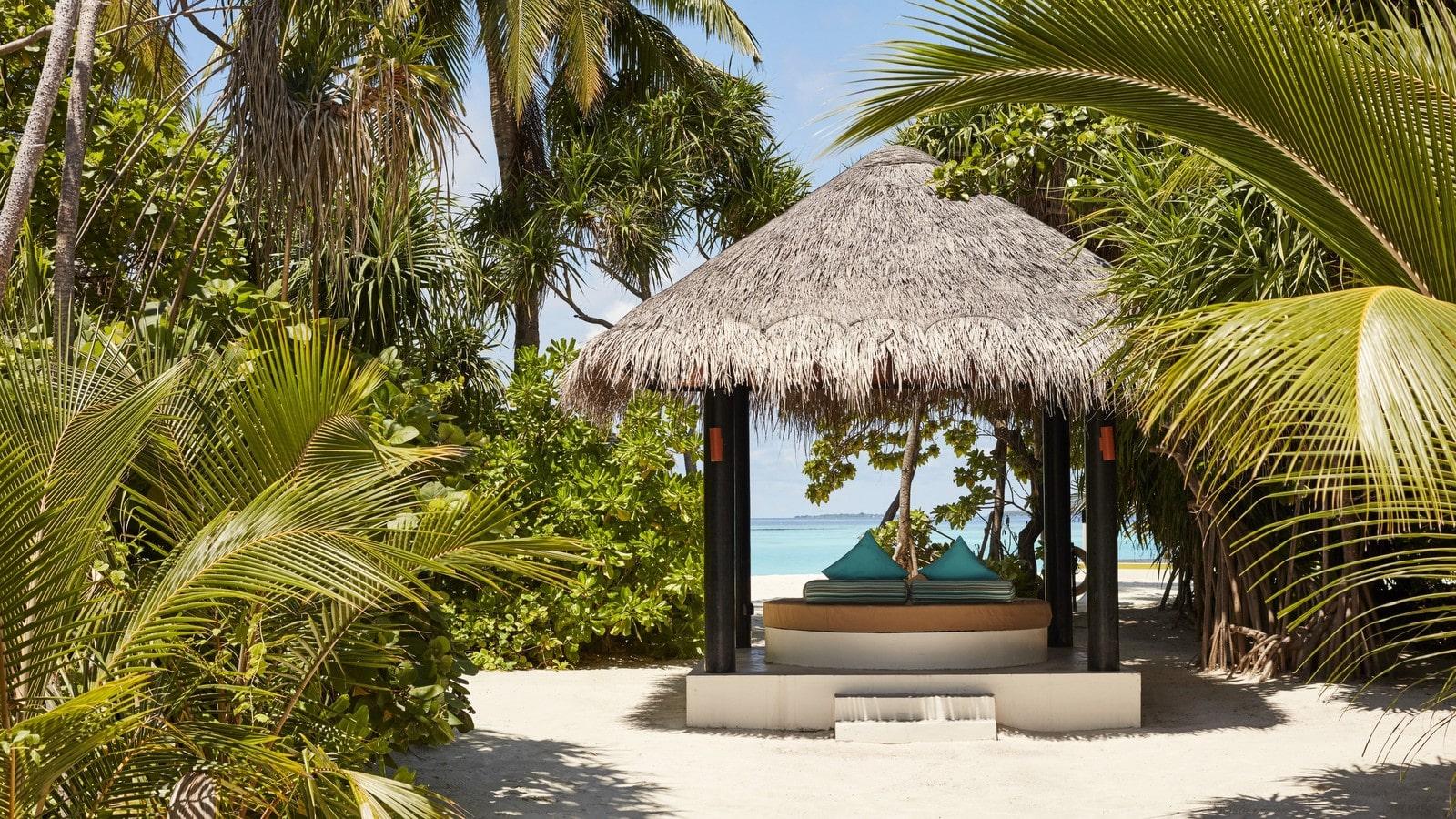 Мальдивы, отель Sun Siyam Iru Fushi, номер Pool Beach Villa