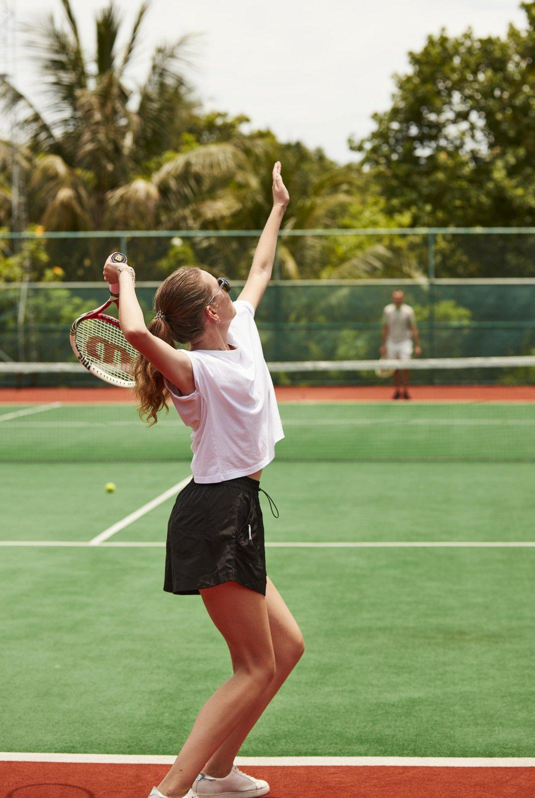 Мальдивы, отель Sun Siyam Iru Fushi, теннисный корт
