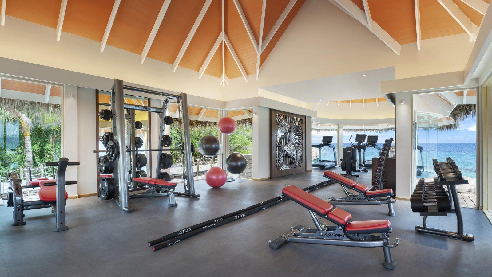 Мальдивы, отель JW Marriott Maldives Resort, фитнес центр