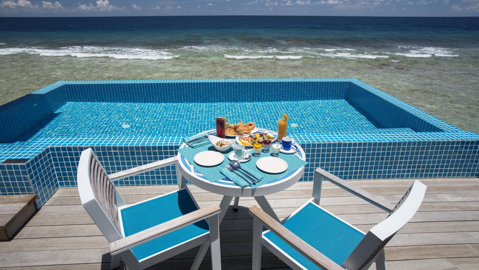 Мальдивы, отель Kandima Maldives, номер Ocean Pool Villa