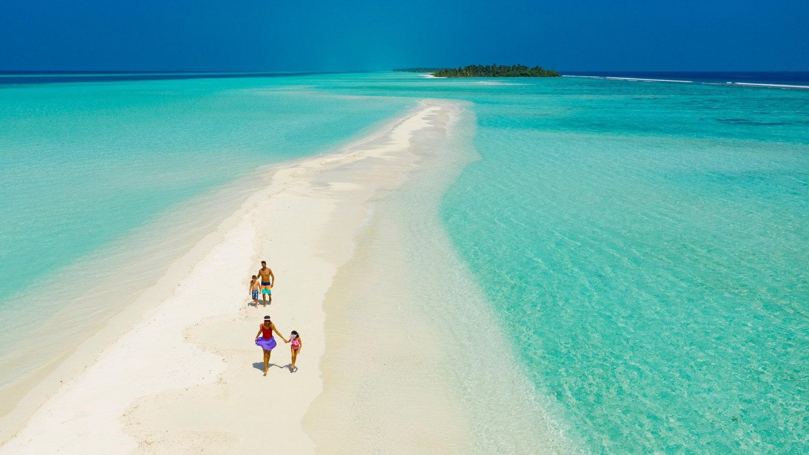 Мальдивы, отель Kandima Maldives, песчаная коса