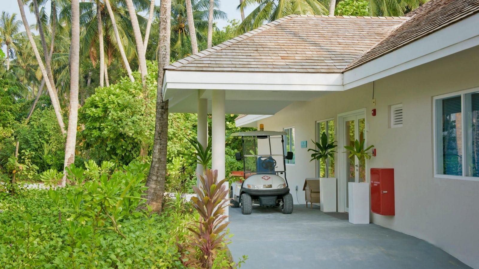 Мальдивы, отель Kandima Maldives, клиника