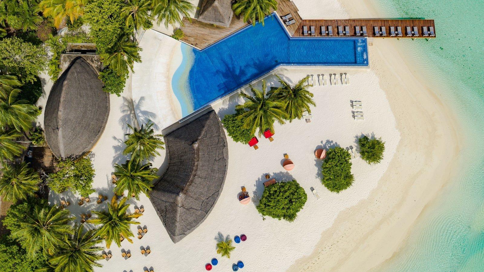 Мальдивы, отель Kuramathi Maldives, бассейн