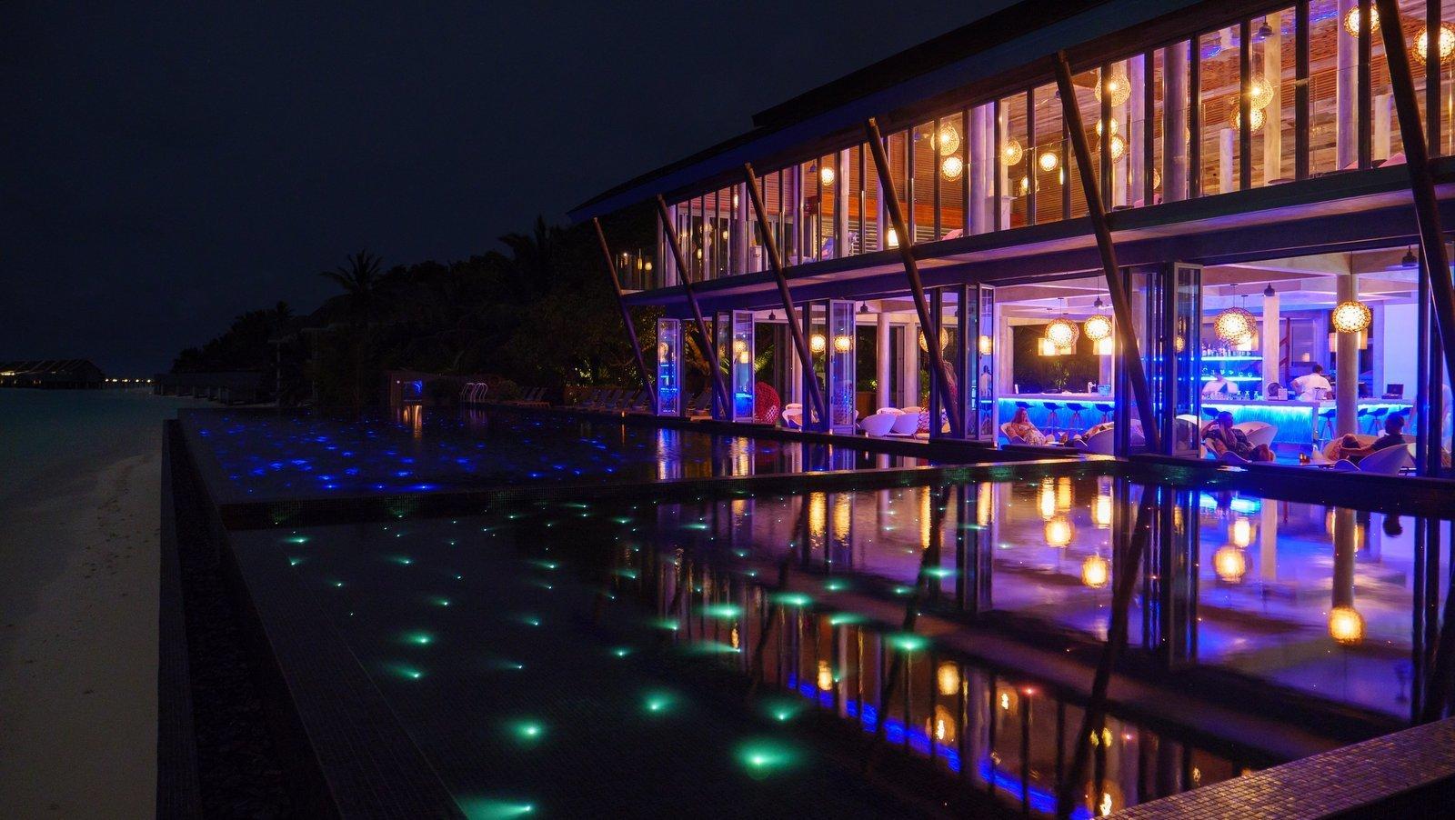 Мальдивы, отель Kuramathi Maldives, бар Laguna