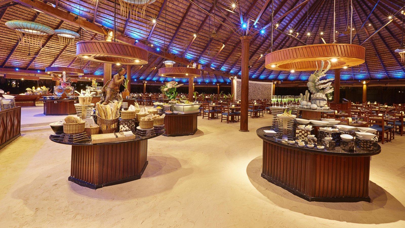 Мальдивы, отель Kuredu Island Resort, ресторан Koamas