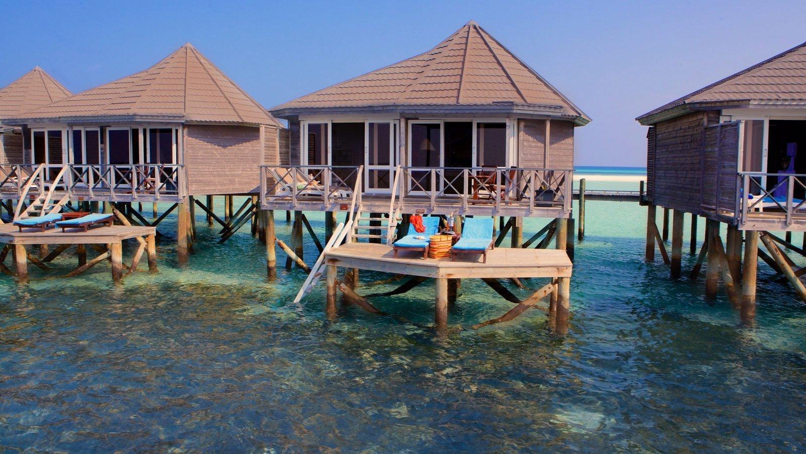 Мальдивы, отель Kuredu Island Resort, номер Sangu Water Villa