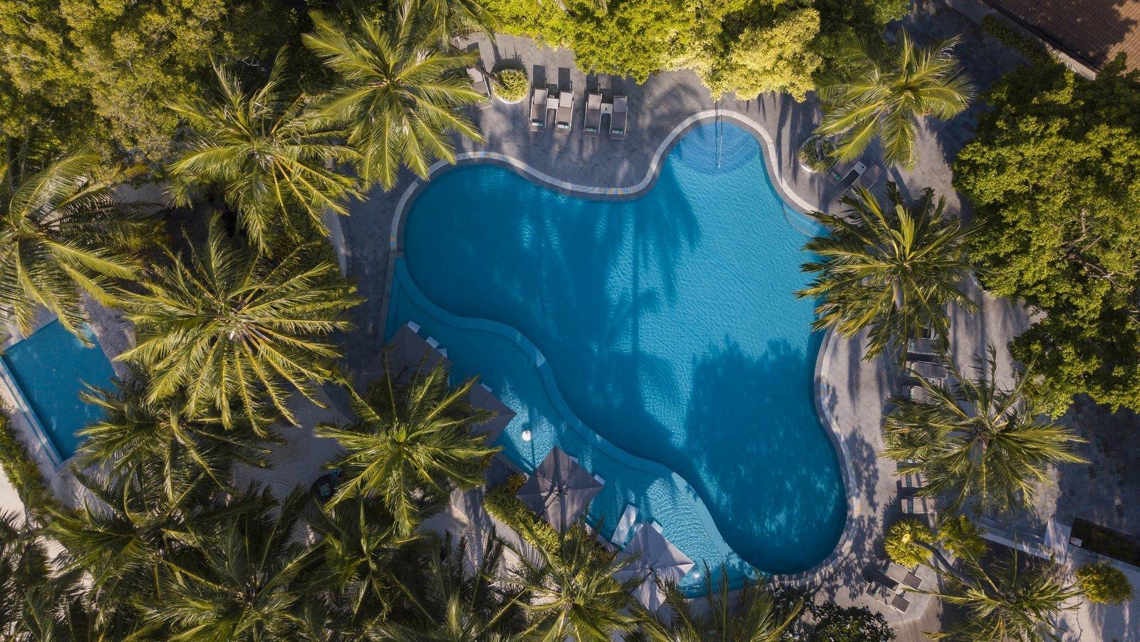 Мальдивы, отель Kurumba Maldives, бассейн