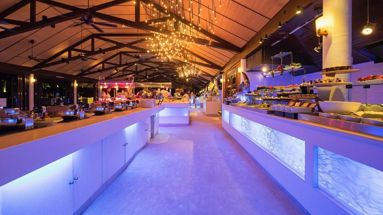 Мальдивы, отель Lily Beach Resort, ресторан Lily Maa