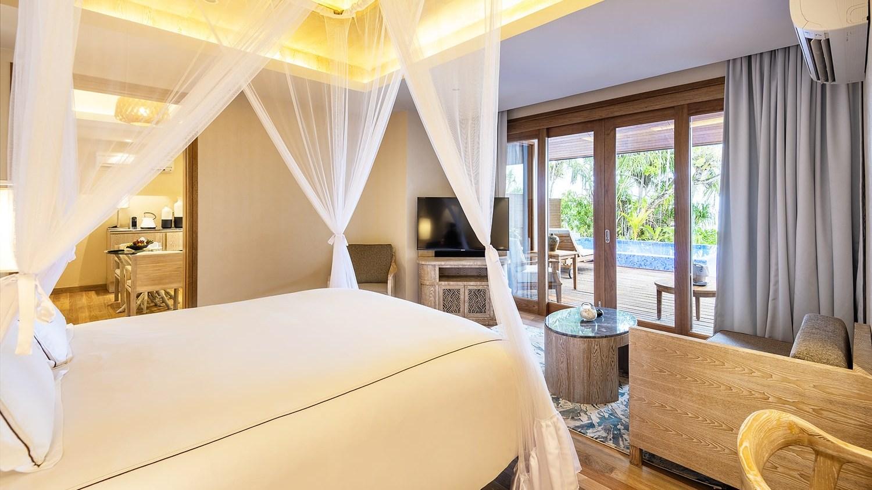 Мальдивы, отель Lily Beach Resort, номер Beach Residence with Pool