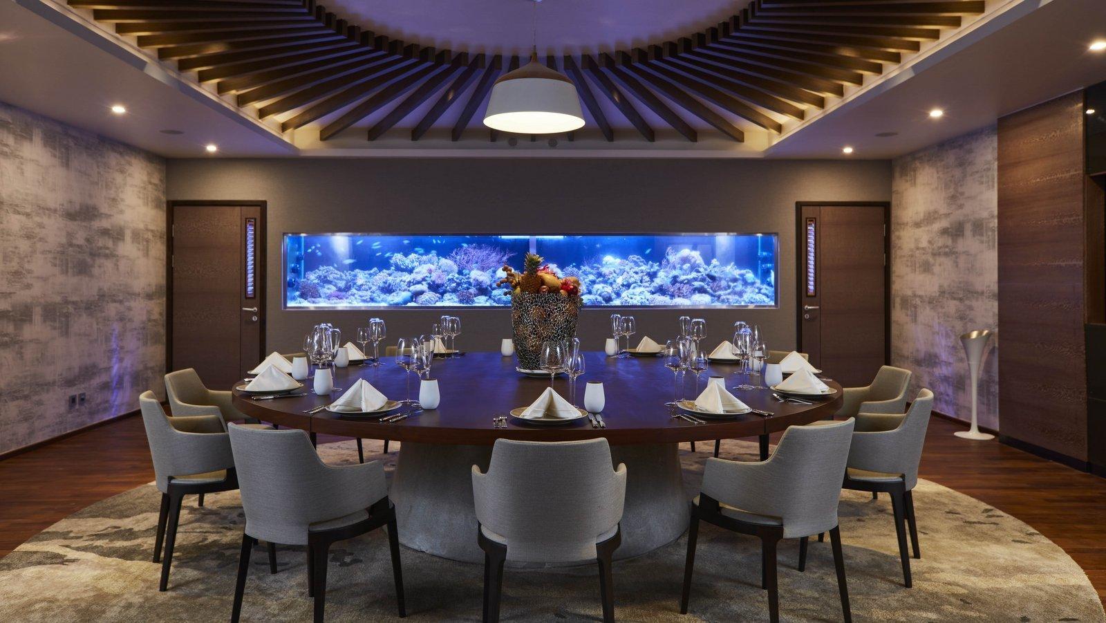 Мальдивы, отель LUX North Male Atoll, ресторан Barium