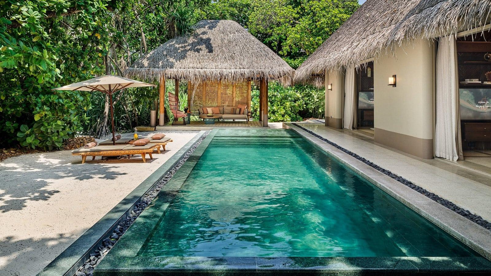 Мальдивы, отель Joali Maldives, номер Luxury Beach Villa with Pool
