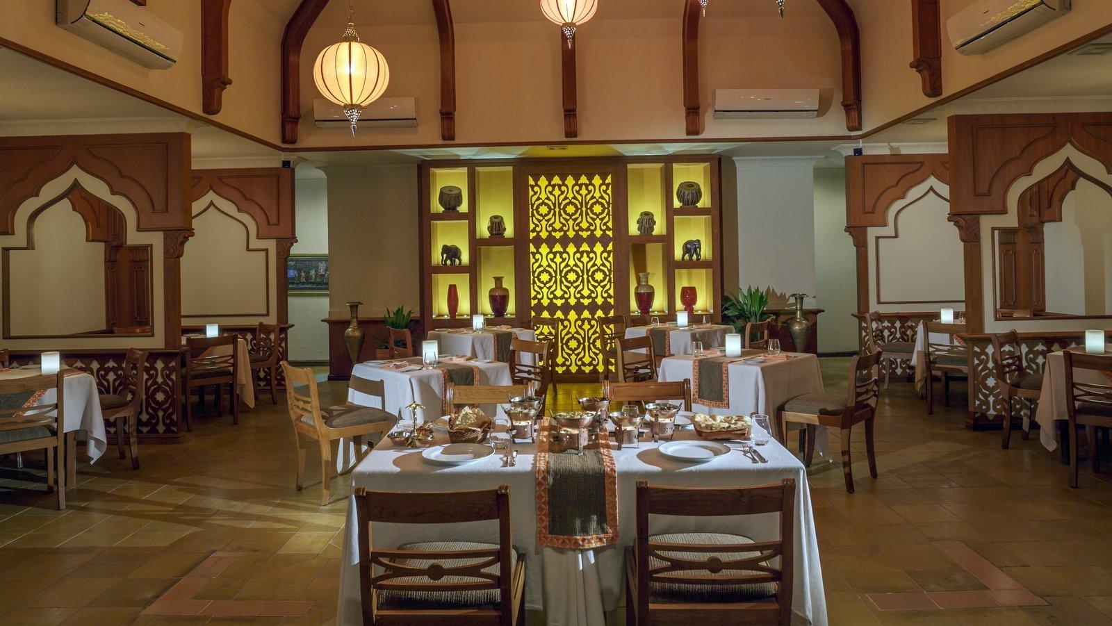 Мальдивы, отель Kurumba Maldives, ресторан Mahal