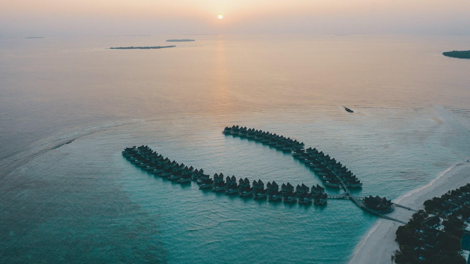 Мальдивы, отель Movenpick Resort Kuredhivaru Maldives