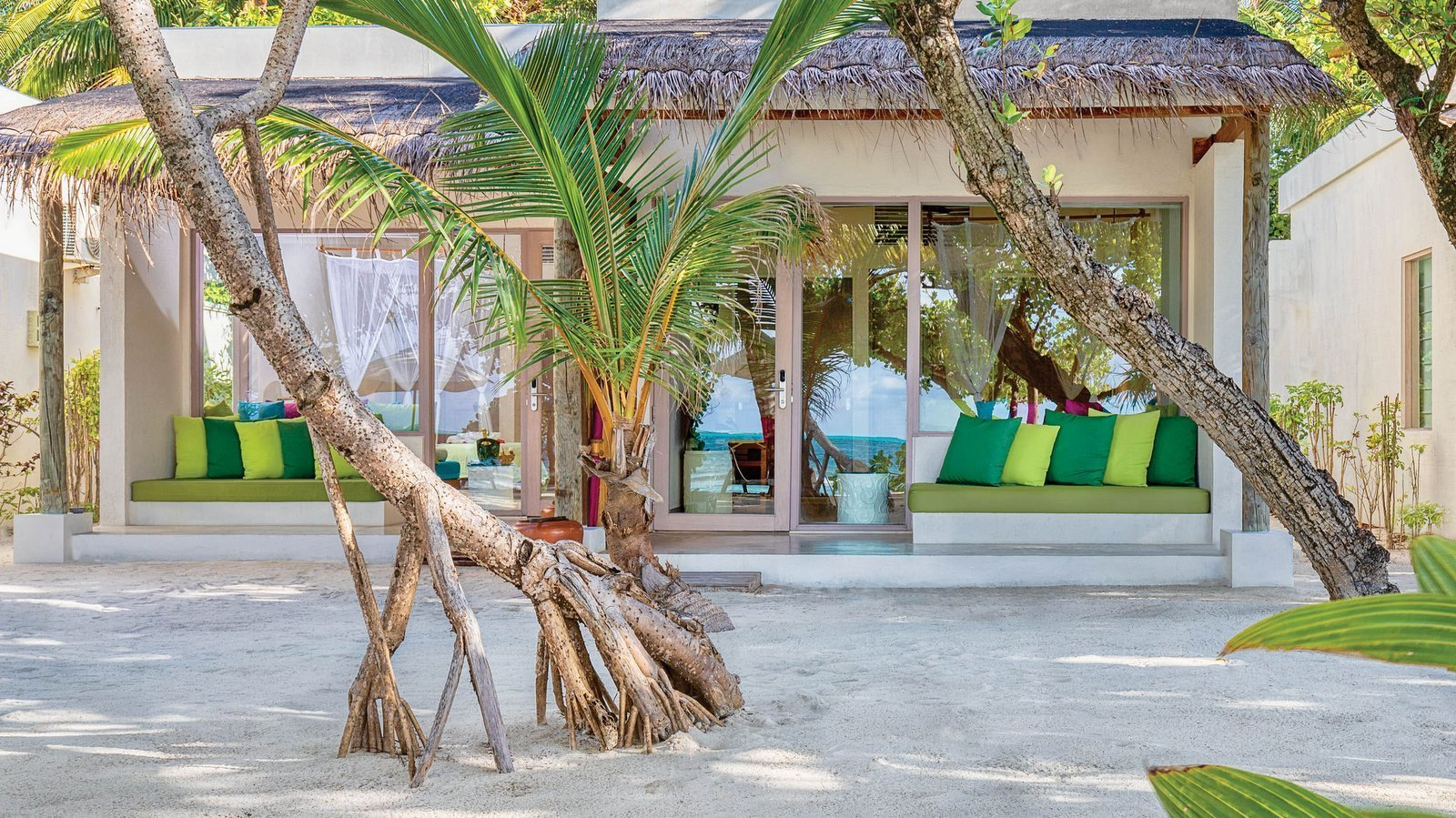 Мальдивы, отель OBLU by Atmosphere at Helengeli, номер Deluxe Beach Villa