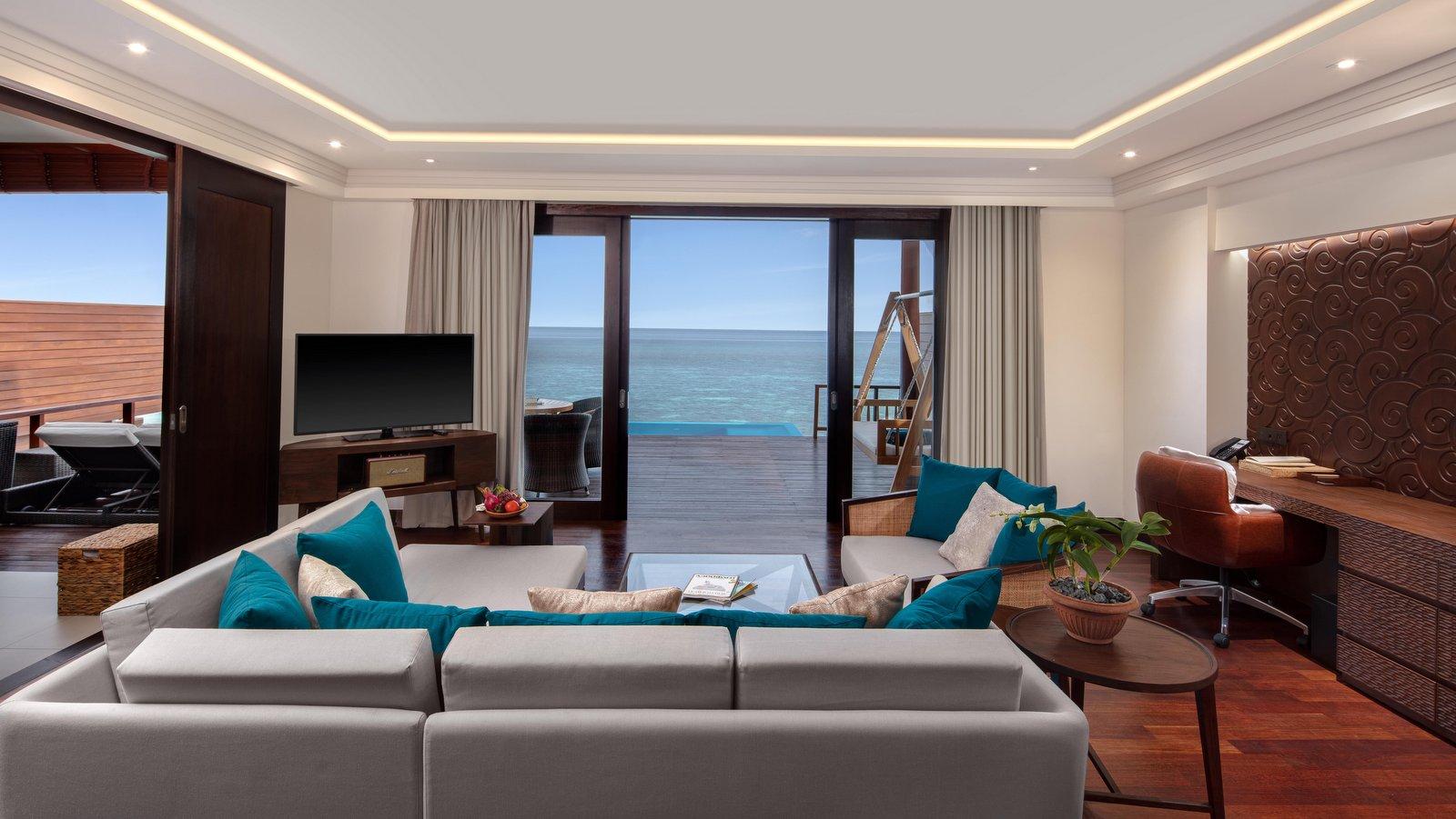 Мальдивы, отель Heritance Aarah, номер Ocean Suite with Pool