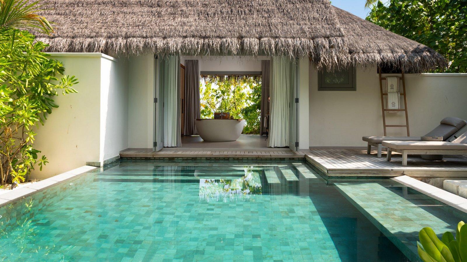 Мальдивы, отель Vakkaru Maldives, номер Beach Pool Residence