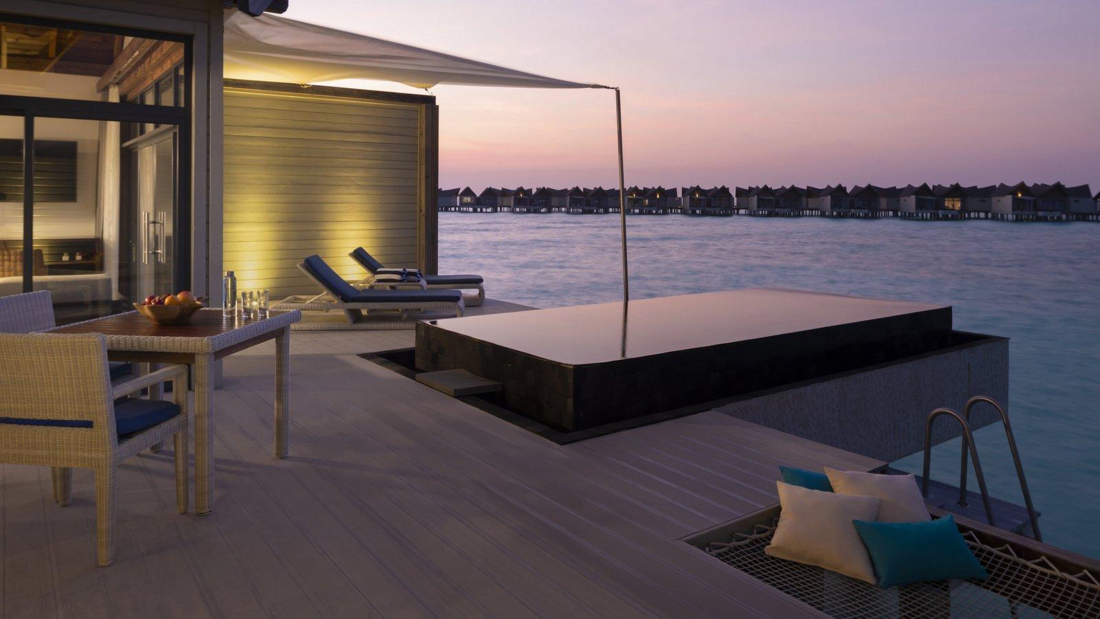 Мальдивы, отель Movenpick Resort Kuredhivaru Maldives, номер Overwater Pool Villa