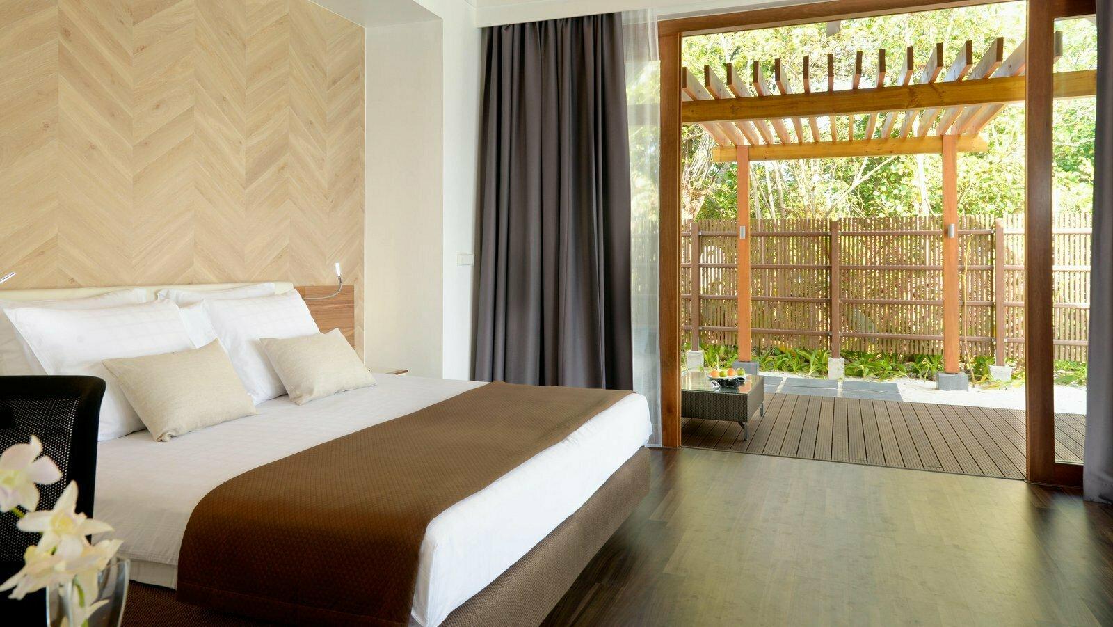 Мальдивы, отель Kandolhu Maldives, номер Pool Villa
