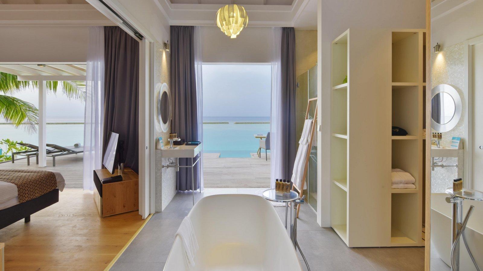Мальдивы, отель Kuramathi Maldives, номер Pool Villa