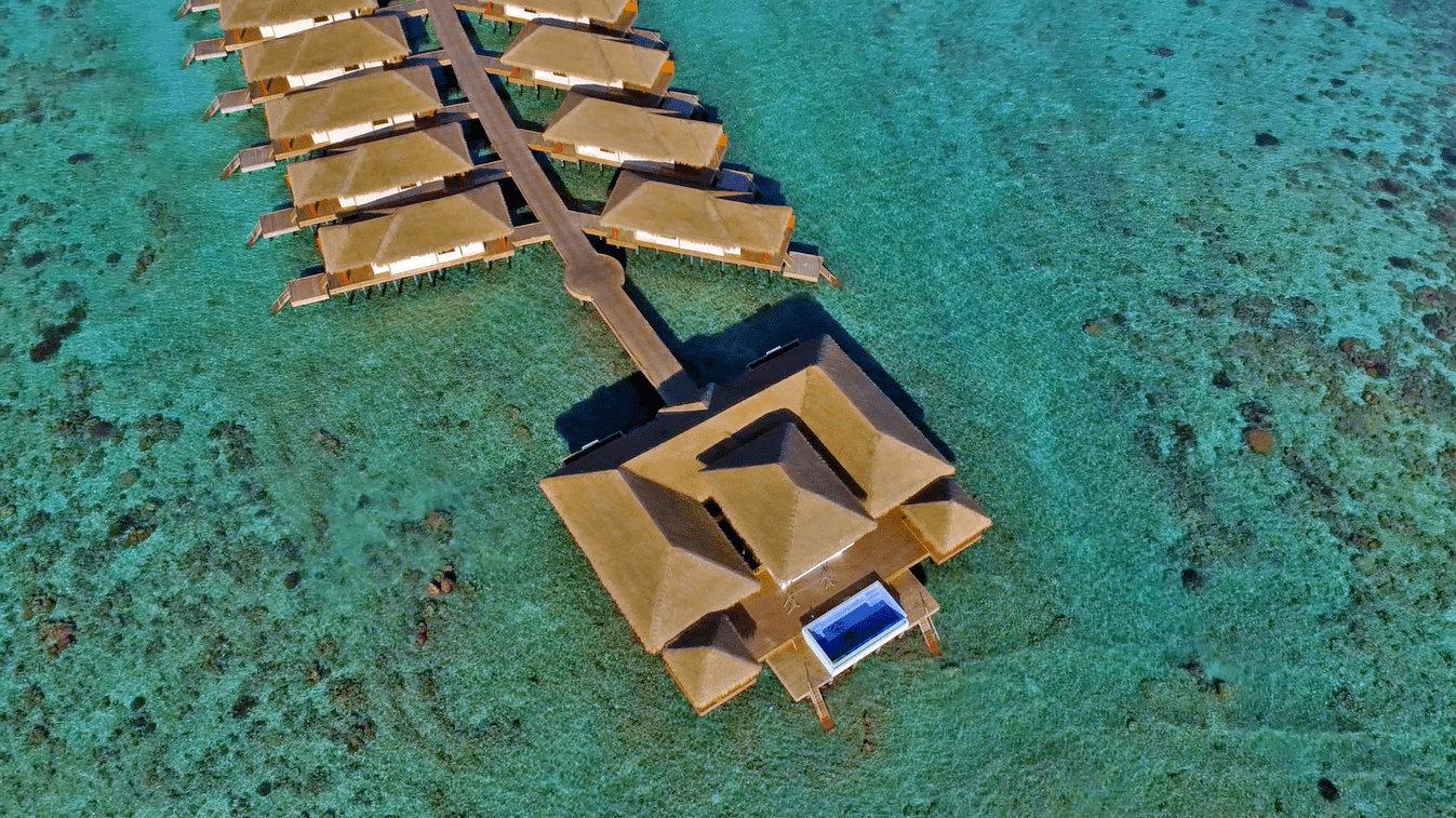 Мальдивы, отель Kudafushi Resort, номер Presidential Water Suite with Pool