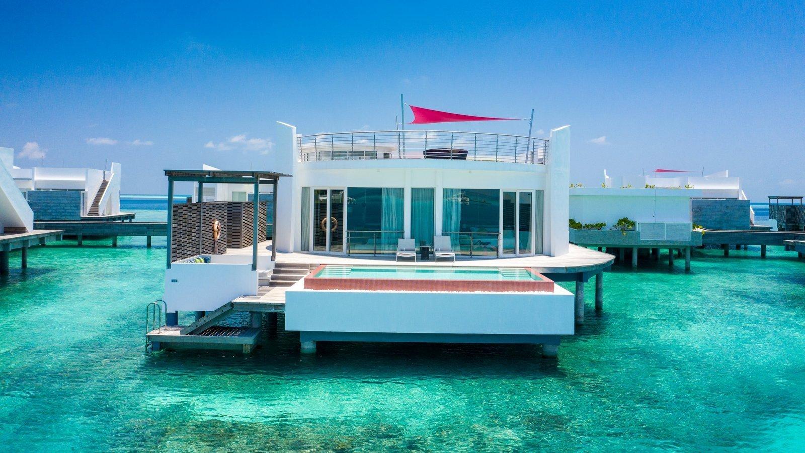 Мальдивы, отель LUX North Male Atoll, номер Prestige Water Villa with Pool
