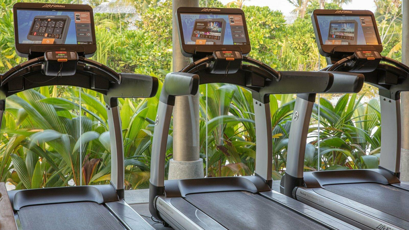 Мальдивы, отель Heritance Aarah, фитнес центр