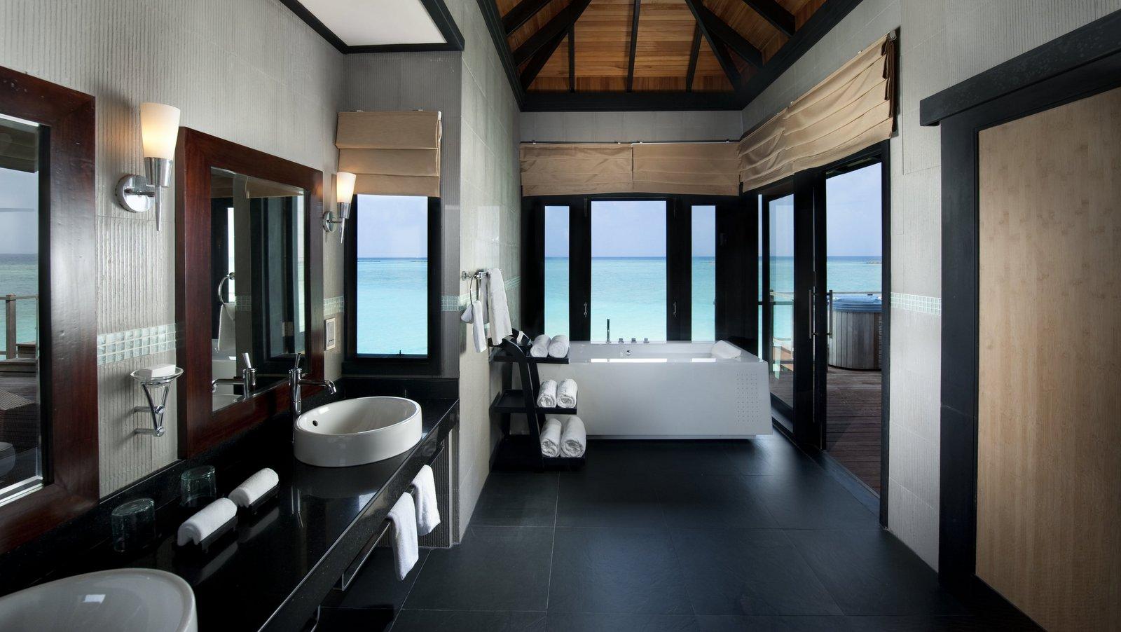 Мальдивы, отель Sun Siyam Iru Fushi, номер Sunset Horizon Water Villa