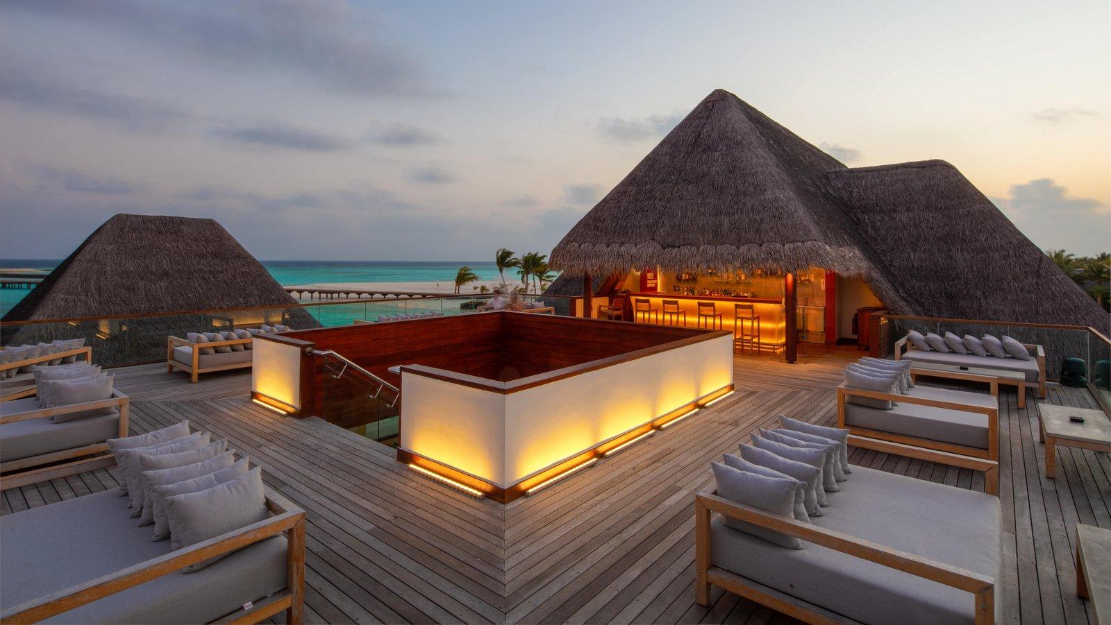 Мальдивы, отель Heritance Aarah, SkyBar