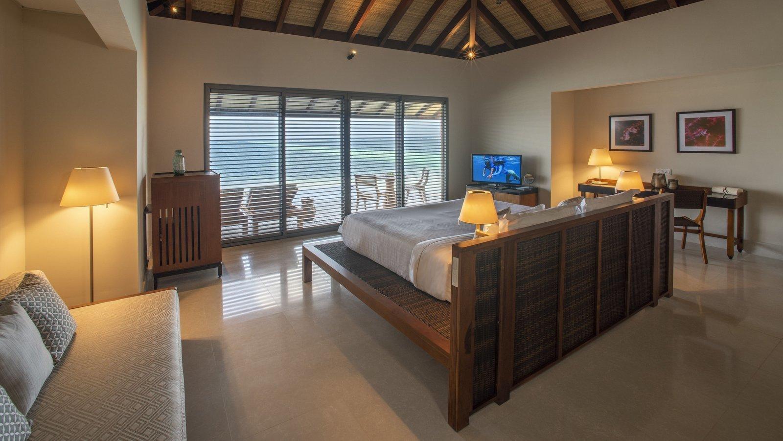 Мальдивы, отель The Residence Maldives at Dhigurah, номер Lagoon Pool Villa