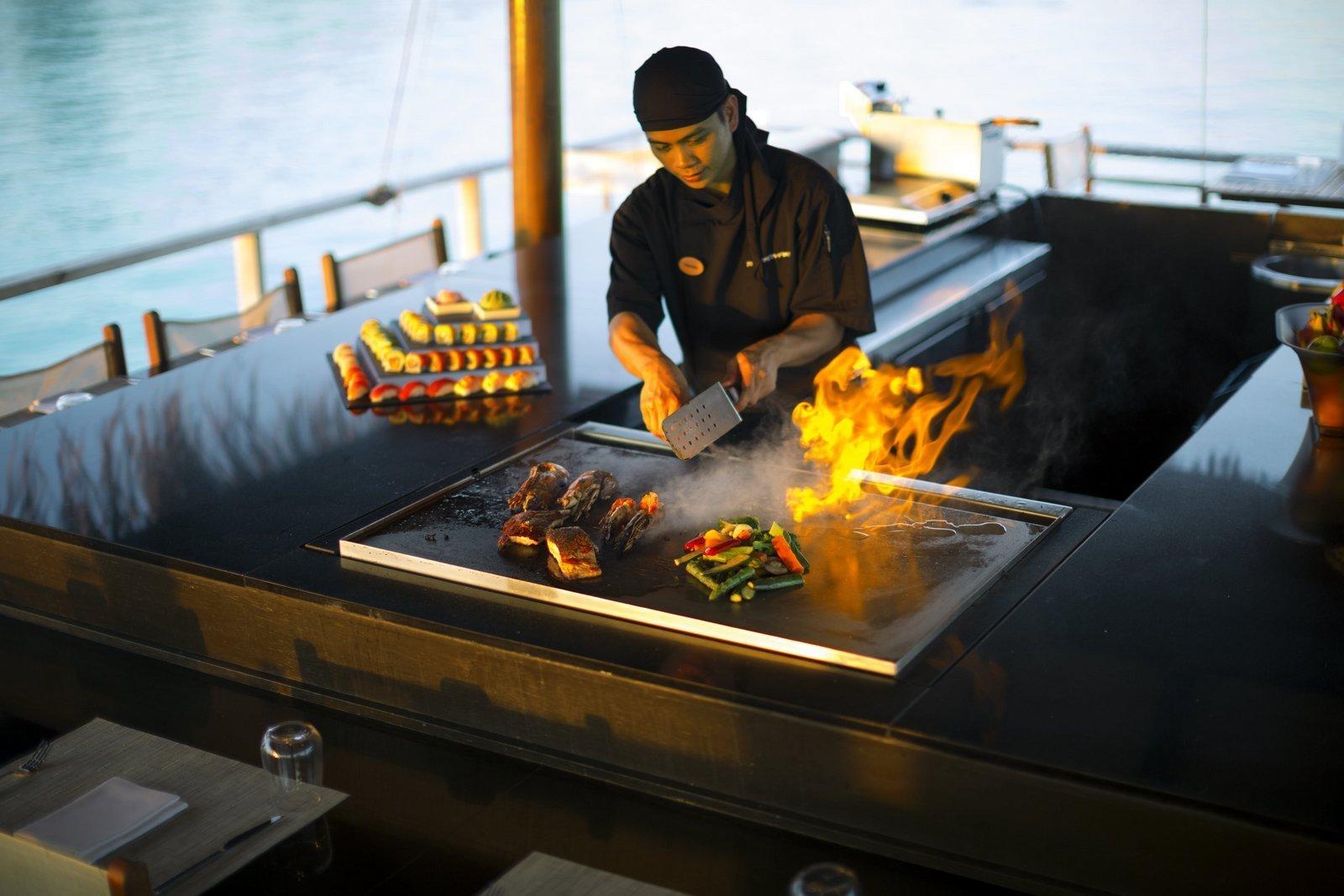 Мальдивы, отель Velassaru Maldives, ресторан TEPPANYAKI