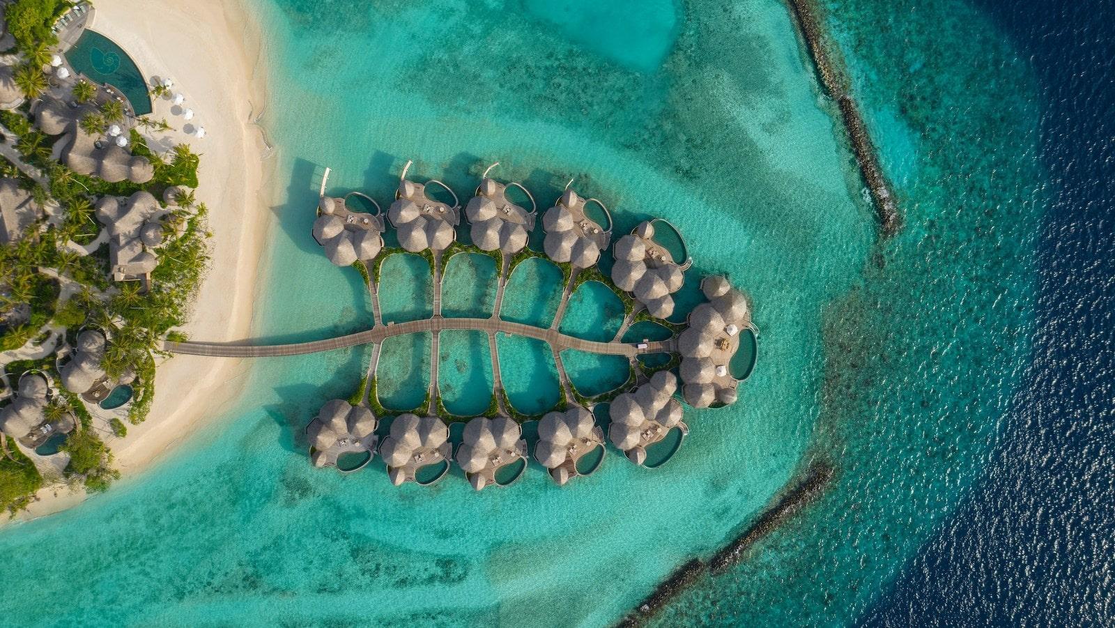 Мальдивы, отель The Nautilus Maldives, водные виллы