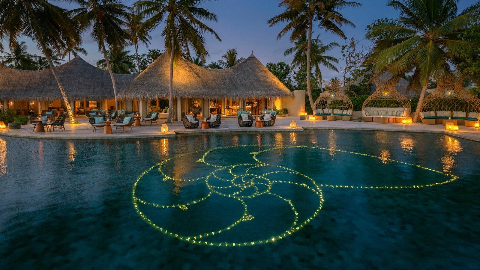 Мальдивы, отель The Nautilus Maldives, бассейн