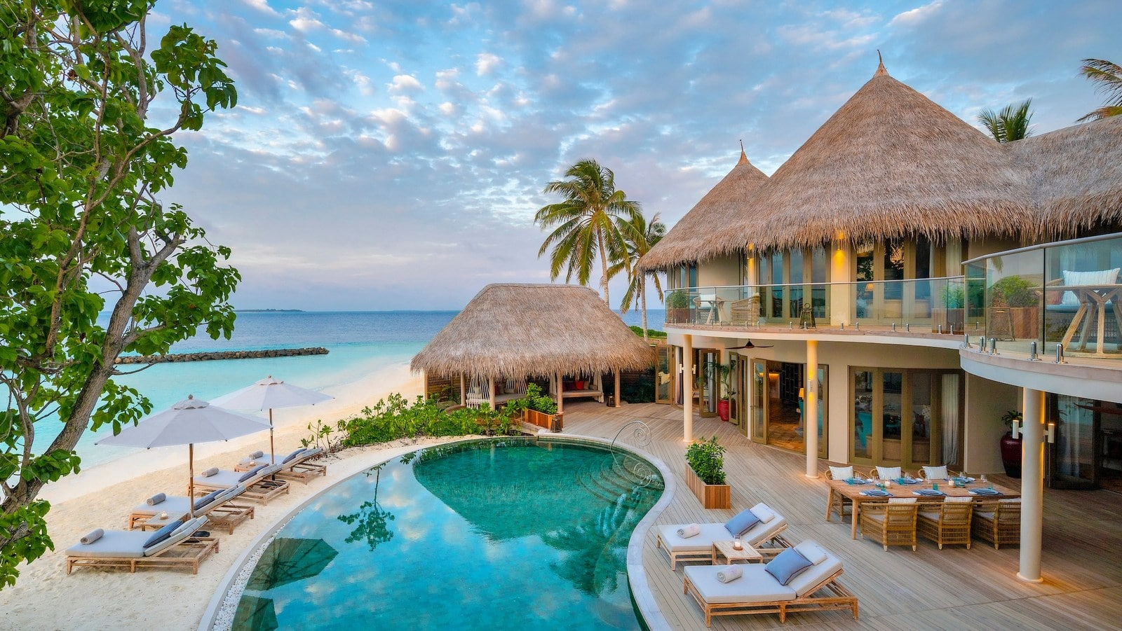 Мальдивы, отель The Nautilus Maldives, номер Three-Bedroom The Nautilus Mansion