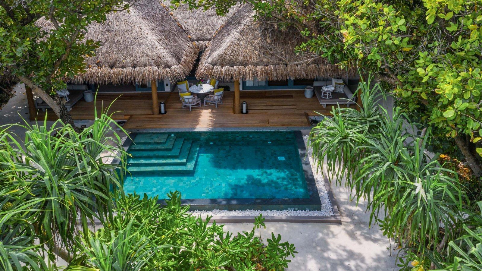 Мальдивы, отель Vakkaru Maldives, номер Two Bed Room Beach Pool Residence
