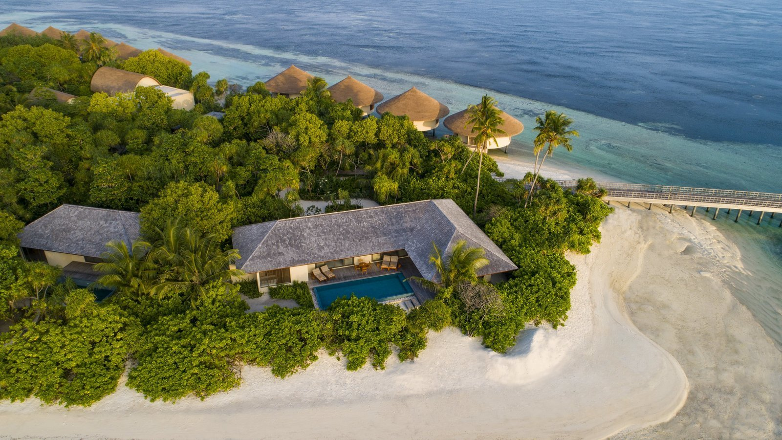 Мальдивы, отель The Residence Maldives at Dhigurah, номер Two-Bedroom Beach Pool Villa
