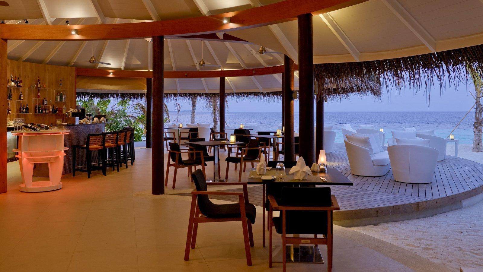 Мальдивы, отель Kandolhu Maldives, Vilu Bar