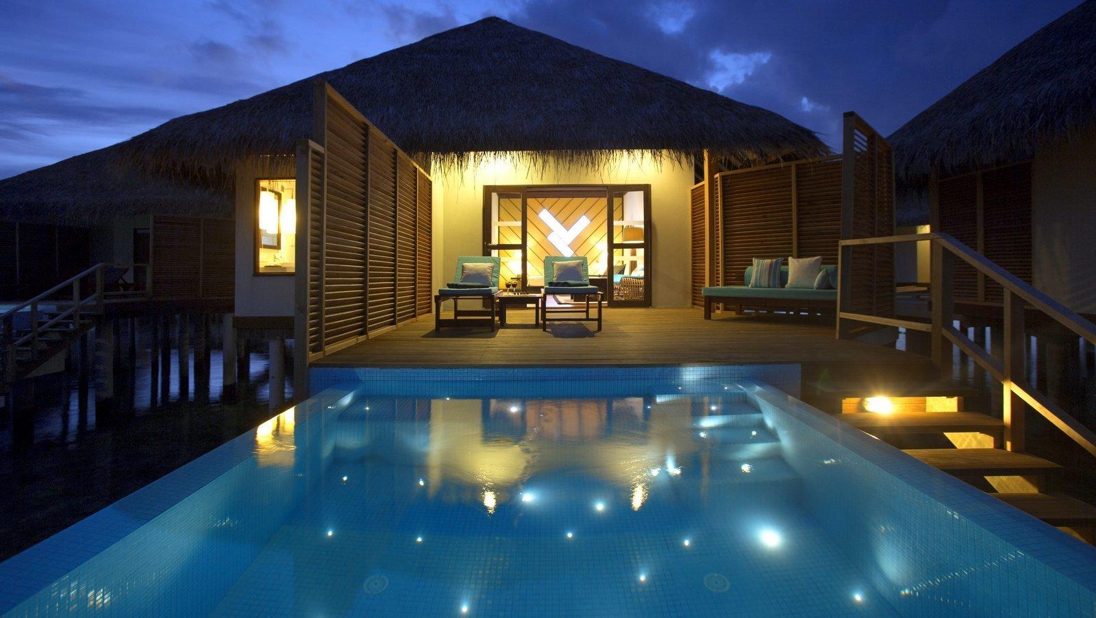 Мальдивы, отель Velassaru Maldives, номер Water Bungalow with Pool