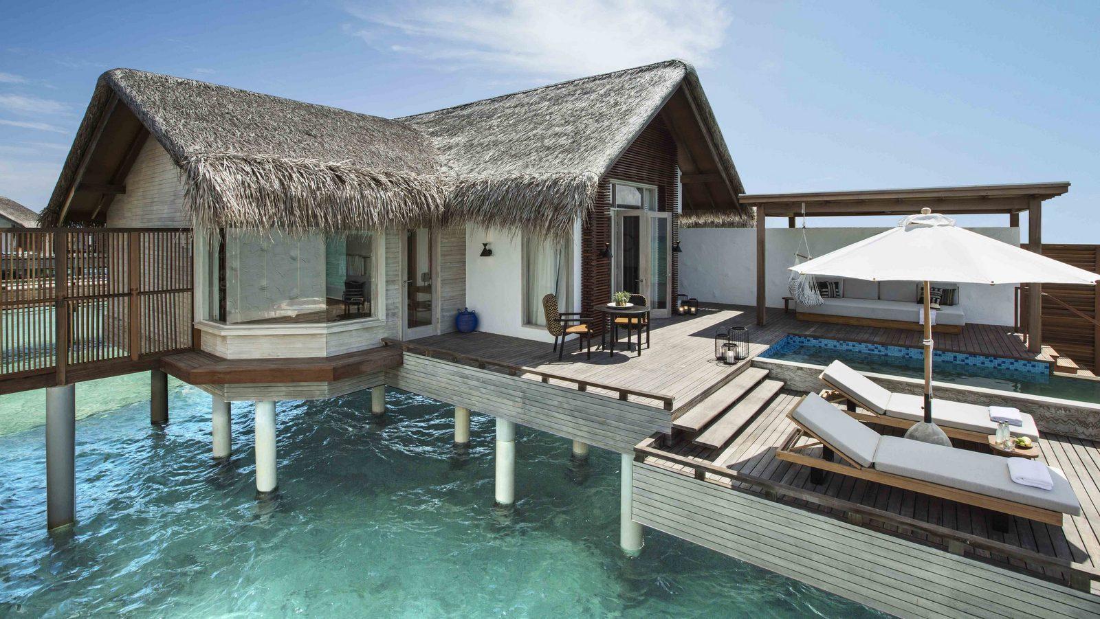 Мальдивы, отель Fairmont Maldives Sirru Fen Fushi, номер Water Sunrise Villa