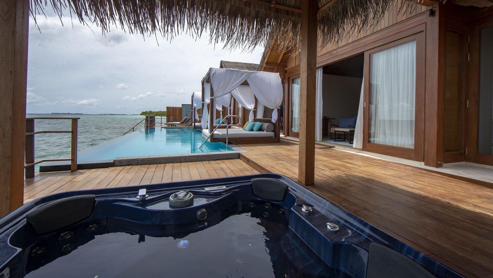 Мальдивы, отель Furaveri Island Resort, номер Two-Bedroom Reef Residence