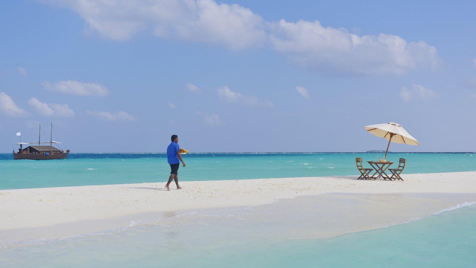 Мальдивы, отель Safari Island Resort & Spa, пляж