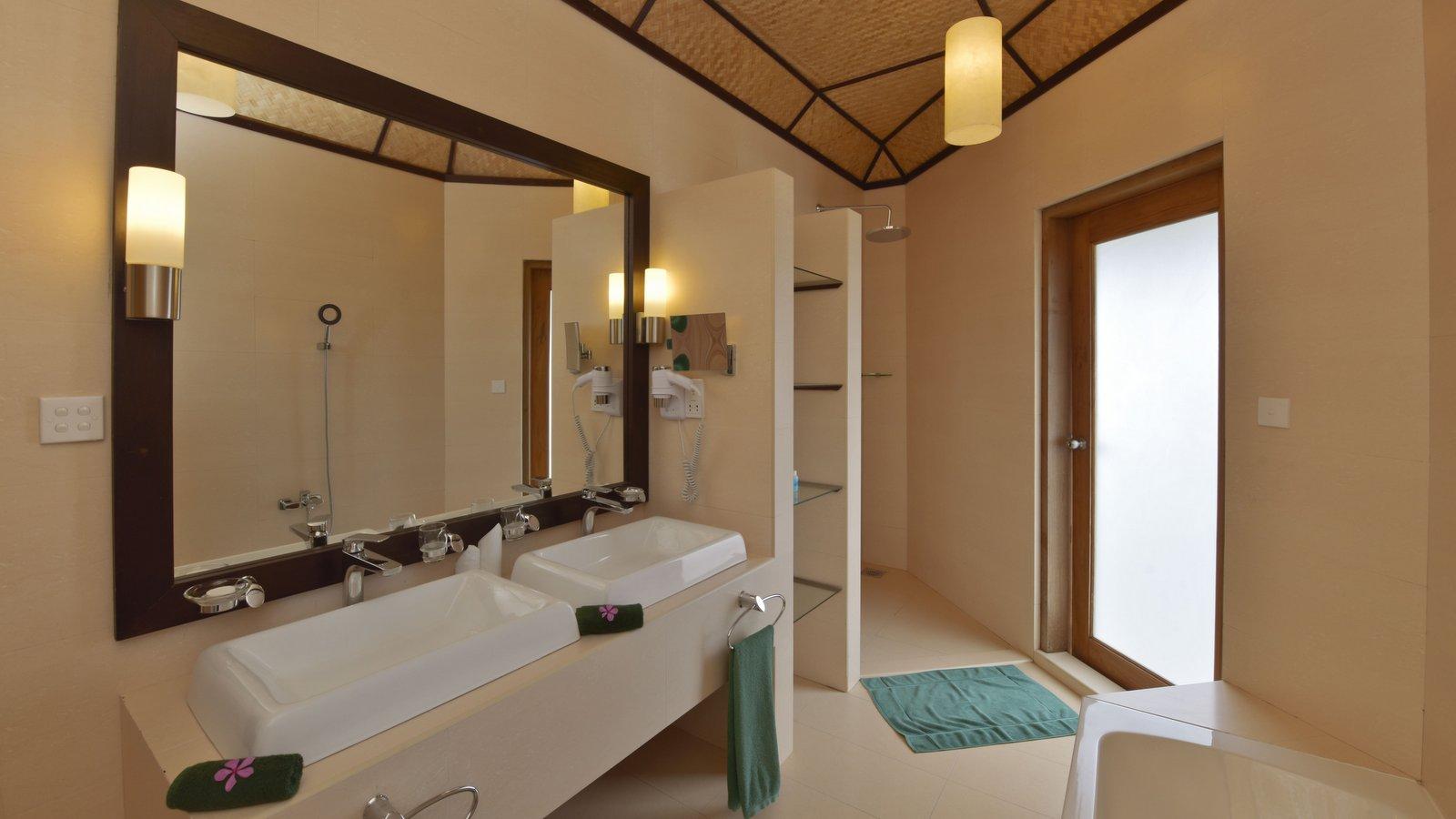 Мальдивы, Отель Safari Island Resort & Spa, номер Semi Water Bungalow